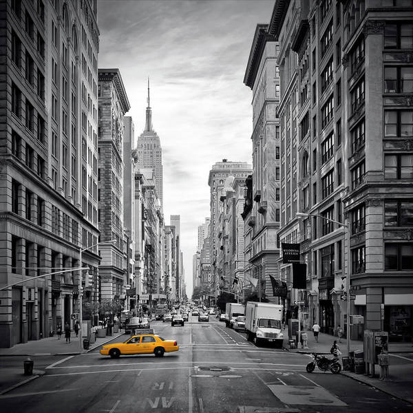Wall Art - Photograph - New York City 5th Avenue by Melanie Viola
