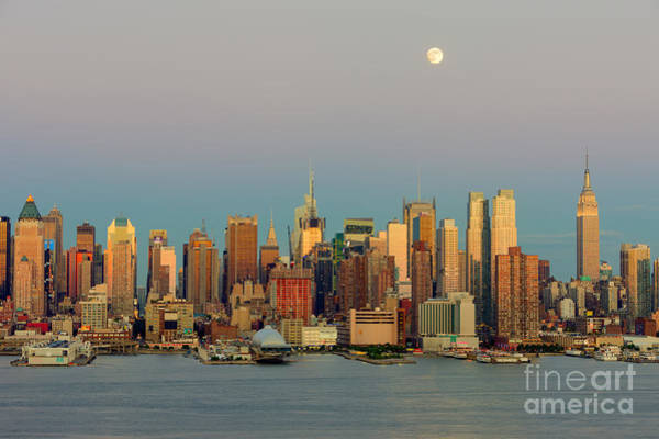Photograph - New York City Moonrise I by Clarence Holmes