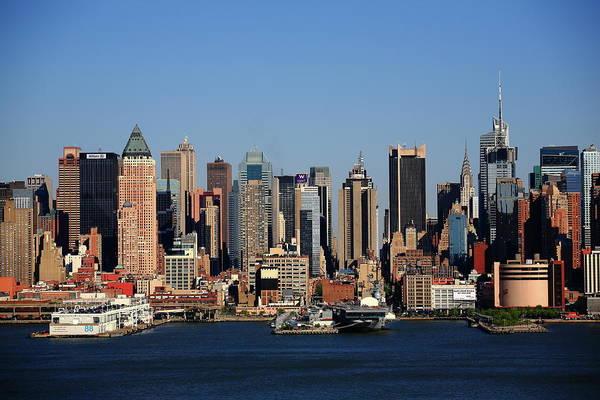 Photograph - New York City Skyline 12 by Frank Romeo