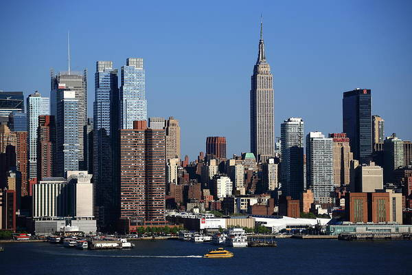 Photograph - New York City Skyline 7 by Frank Romeo