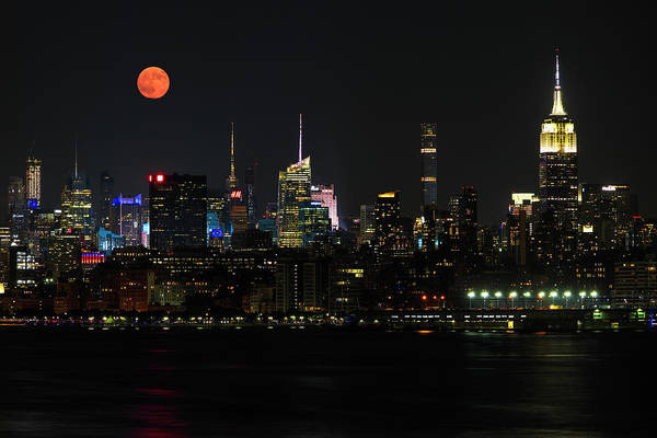 Photograph - New York City Sskyline With Empire State Building And Full Moon by Juergen Roth