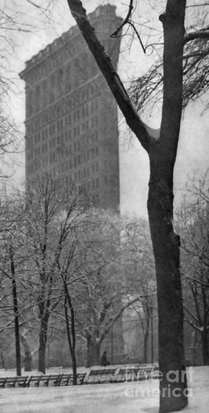 Wall Art - Photograph - New York, Flatiron, 1903.  by Granger