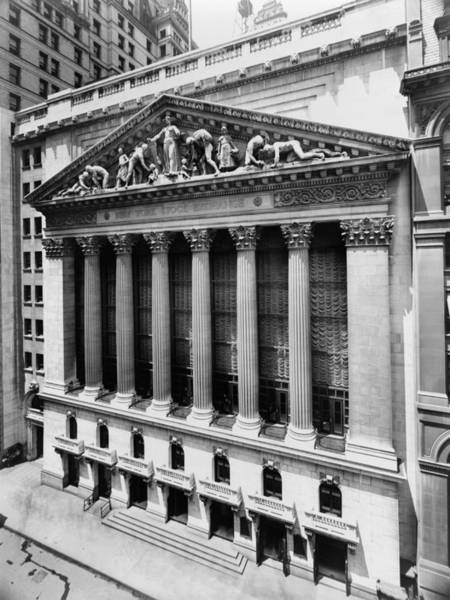 Wall Art - Photograph - New York Stock Exchange Circa 1908 by War Is Hell Store