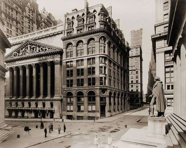 Business Cycles Wall Art - Photograph - New York Stock Exchange Left by Everett