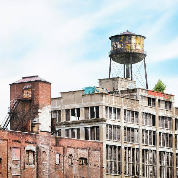 Photograph - New York Water Towers 18 - Greenpoint Water Tower by Gary Heller