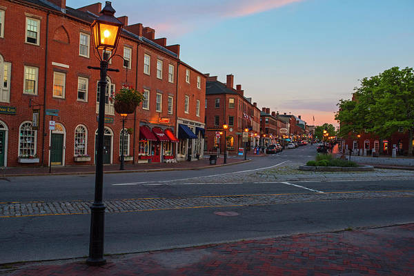 Photograph - Newburyport Ma High Street Lanterns At Sunset by Toby McGuire