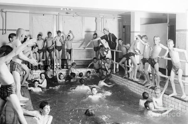 Photograph - Newsboys Swimming 1900s by Science Source