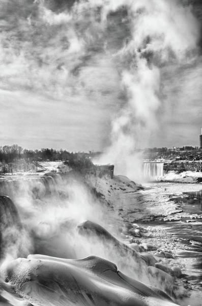 Photograph - Niagara Falls 4609 by Guy Whiteley