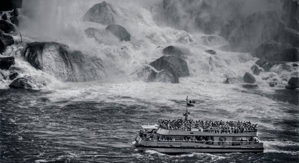 Photograph - Niagara Falls - Hornblower by Garvin Hunter