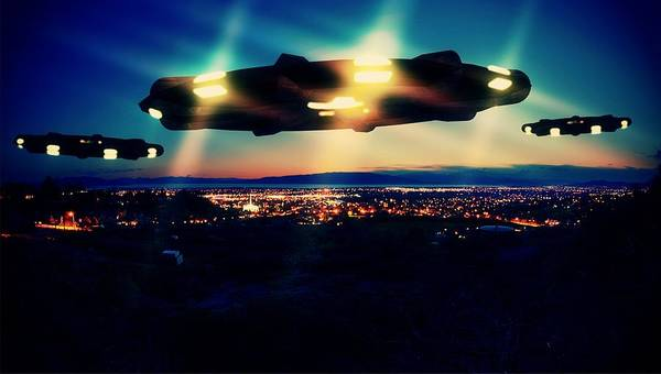 Ufo Digital Art - Night Visitors By Raphael Terra by Raphael Terra