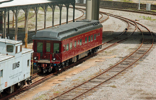Norfolk Southern Wall Art - Photograph - Norfolk Southern Passenger Car by Suzanne Gaff