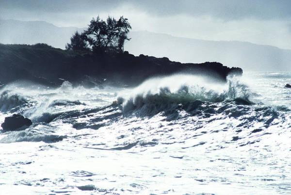 Photograph - North Shore Waimea by Thomas R Fletcher