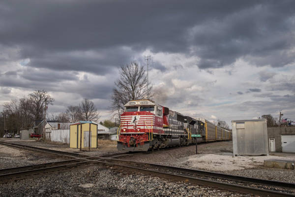 Norfolk Southern Railway Wall Art - Photograph - Ns 911 Heritage Unit At Oakland City In by Jim Pearson