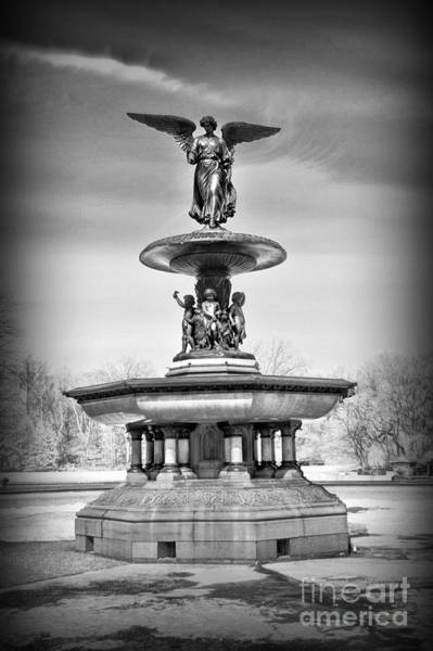 Bethesda Fountain Photograph - Nyc Central Park Bethesda Fountain by Paul Ward