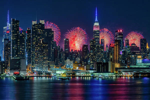 Fireworks Show Wall Art - Photograph - Nyc Fireworks Celebration by Susan Candelario