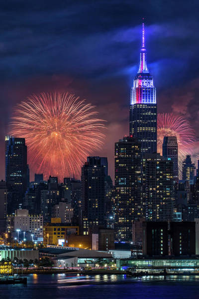 Fireworks Show Wall Art - Photograph - Nyc Fourth Of July Fireworks  by Susan Candelario