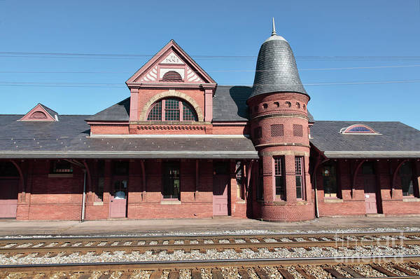 Museum Wall Art - Photograph - Oakland Railroad Station In Maryland by William Kuta