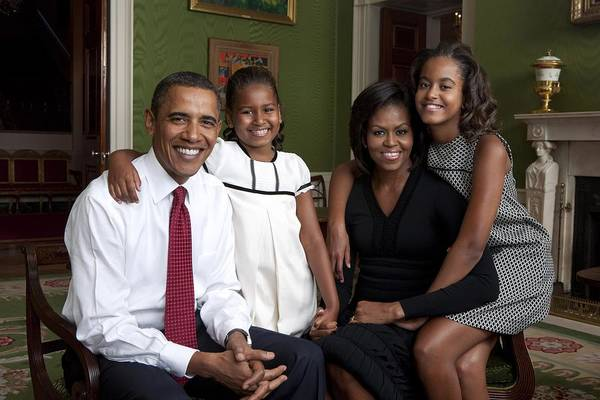 Barack Obama Wall Art - Photograph - Obama Family Official Portrait By Annie by Everett