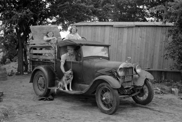Depression Photograph - Okies Heading To California - Great Depression - 1939 by War Is Hell Store