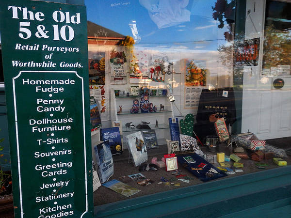 Photograph - Old 5 And 10 North Conway by Nancy De Flon