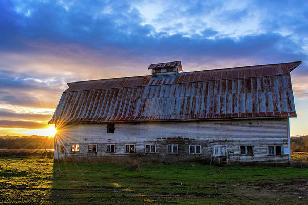 Wall Art - Photograph - Old Barn Sunset by Lincoln Weaver