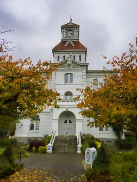 Photograph - Old Courthouse - Corallis Oregon by HW Kateley