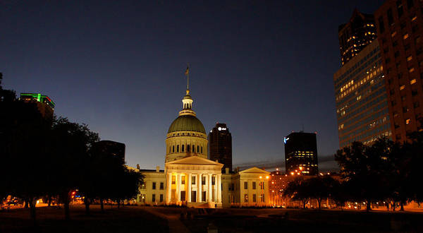 Wall Art - Photograph - Old Courthouse In Downtown St. Louis. by Art Spectrum