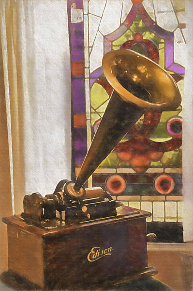 Wall Art - Photograph - Old-fashioned Phonograph by Steve Ohlsen