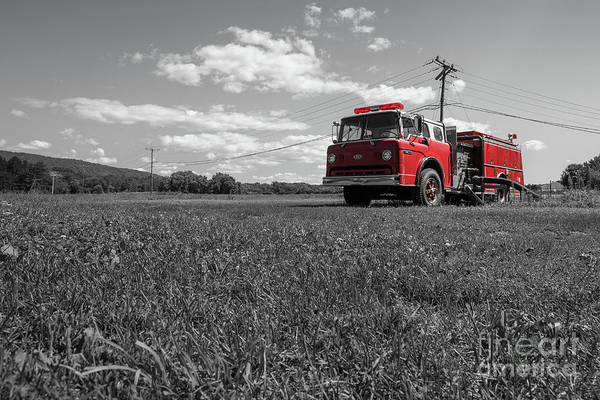 Photograph - Old Fire Engine Deerfield Ma by Edward Fielding