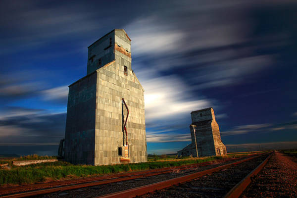 Stop Light Photograph - Old Grain Elevators by Todd Klassy