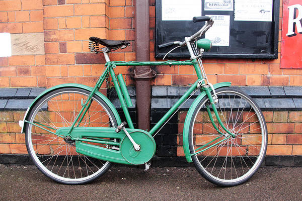 Vintage Conway Photograph - Old Green Bicycle  by Tom Conway