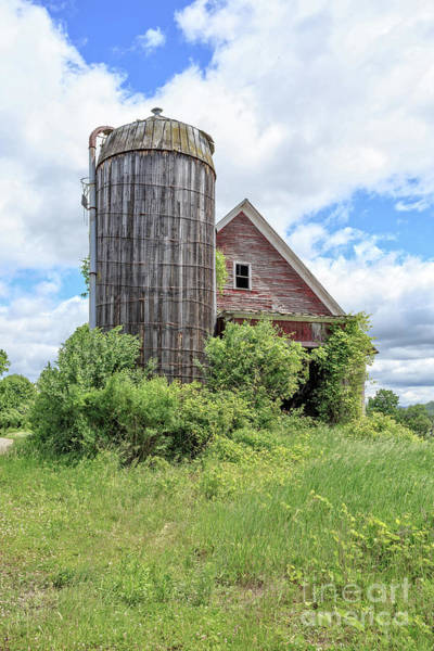 Silo Wall Art - Photograph - Old Historic Barn In Vermont by Edward Fielding