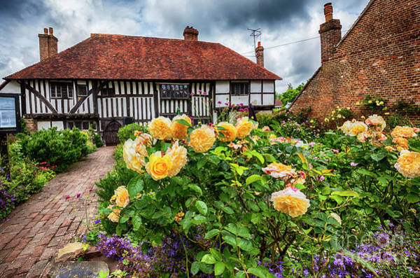 Photograph - old medieval house  in Battle town , England by Ariadna De Raadt