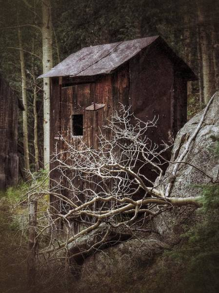 Outside Toilet Photograph - Old Outhouse - St. Elmo by LeAnne Perry
