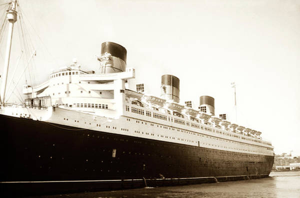 Photograph - Old Queen Mary Ship by Marilyn Hunt