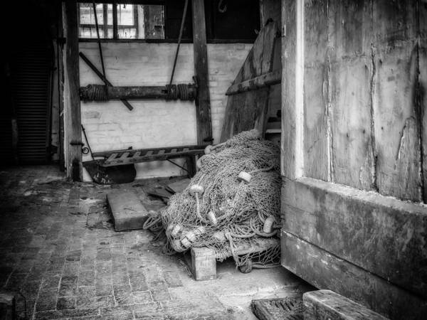Photograph - Old Rope by Nick Bywater