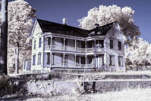 Photograph - Old Shull House-1 by Charles Hite