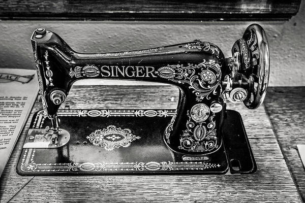 Wall Art - Photograph - Old Singer Sewing Machine by Marilyn Hunt