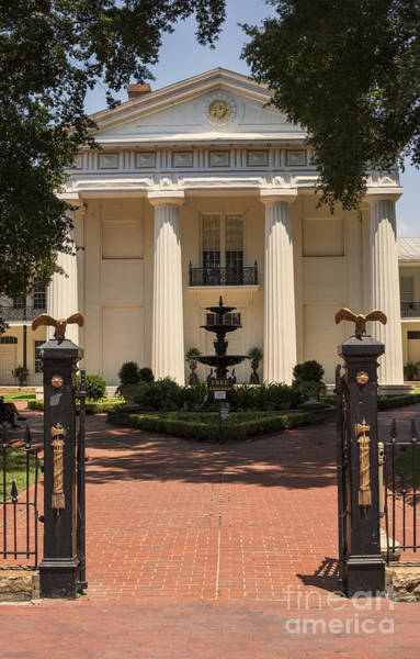 Photograph - Old State House In Little Rock by Juli Scalzi