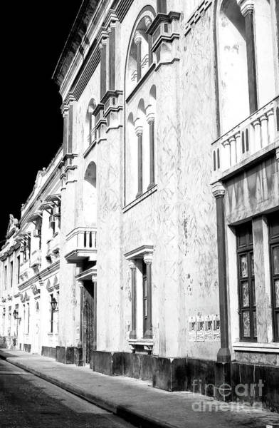 Photograph - Old Style In Cartagena by John Rizzuto