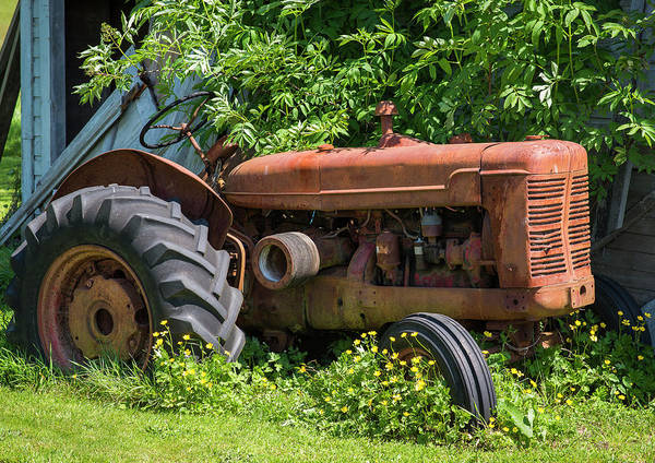Photograph - Old Tractor by Robert Potts