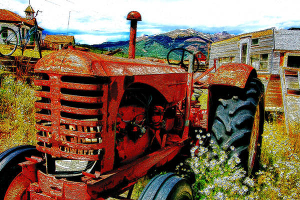 Scrap Iron Digital Art - Digital Antiquarian Old Tractor by Valdecy RL