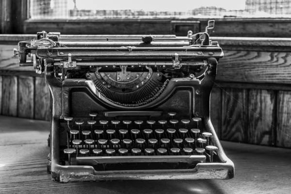Wall Art - Photograph - Old Typewriter by Thomas Young