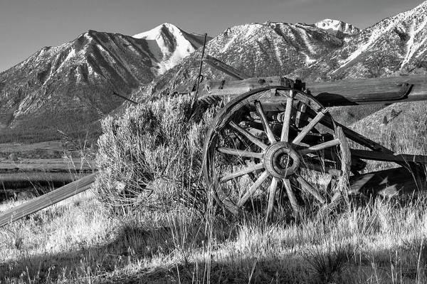 Photograph - Old Wagon Near Jobs Peak by James Eddy