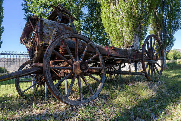 Photograph - Old Wagon by Robert Potts