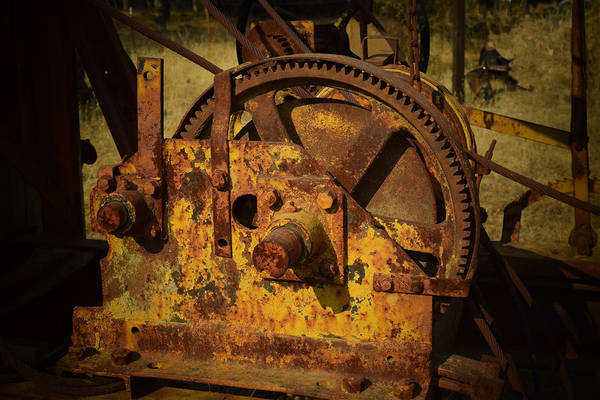 Photograph - Old Winch by Frank Wilson