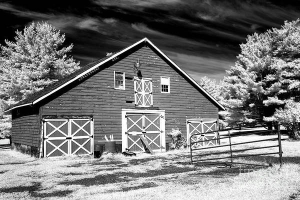 Photograph - Olde Towne Barn by John Rizzuto