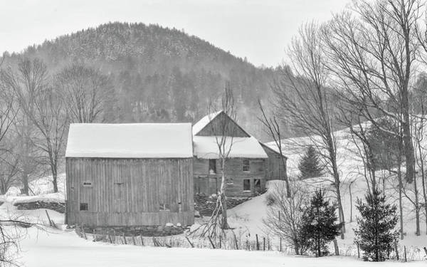 Photograph - Olde Vermont Barn by Rod Best