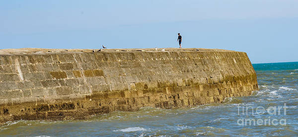 Photograph - On The Cobb by Colin Rayner