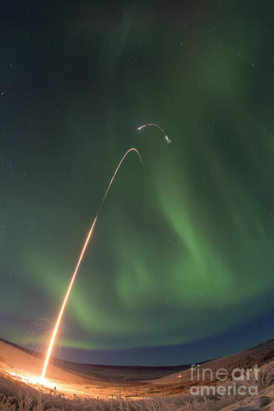 Photograph - Oriole Iv Sounding Rocket Launch by Science Source